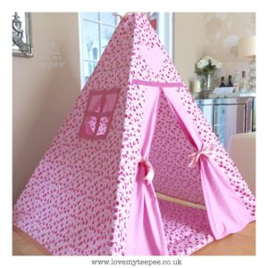 Childrens pink rose teepee set