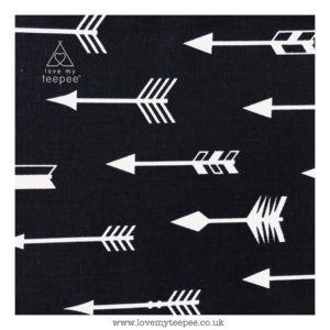 black & white arrows  floor mat